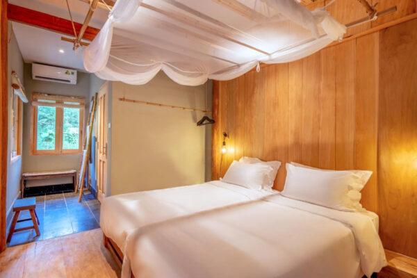 Riverside-Bedroom